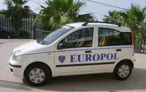 Agenti Europol e Carabinieri fermano un uomo: aveva appena rubato attrezzi agricoli