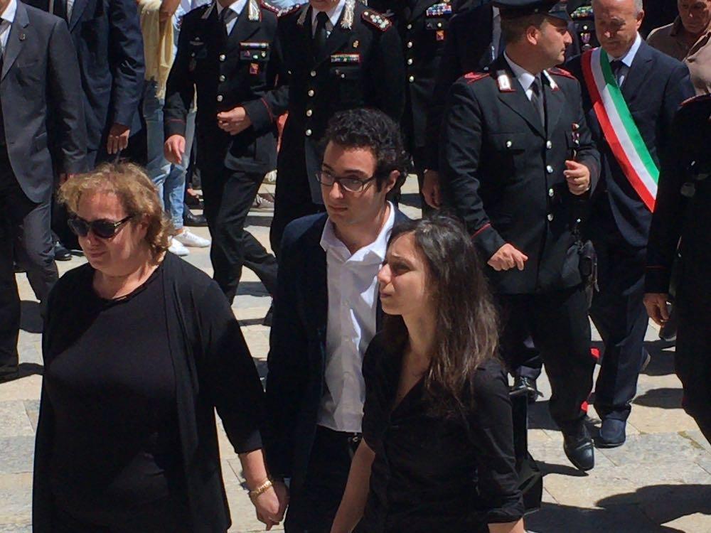 Consegnate altre donazioni alla famiglia Mirarchi per sostenere gli studi dei figli del maresciallo ucciso