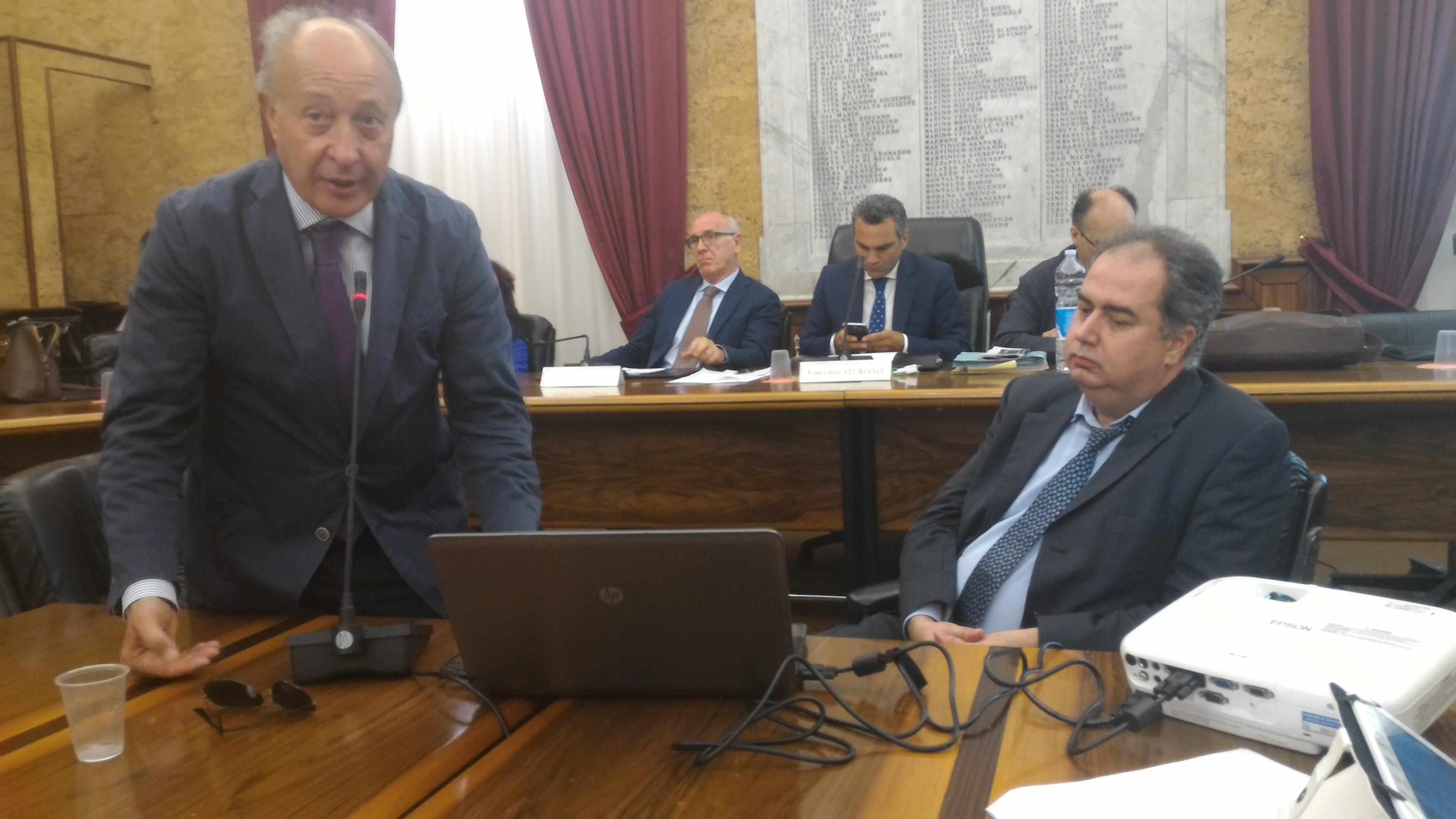 Il Consiglio comunale aperto ha discusso di rifiuti