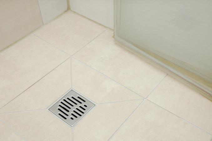 Come pulire lo scarico della doccia: 4 rimedi