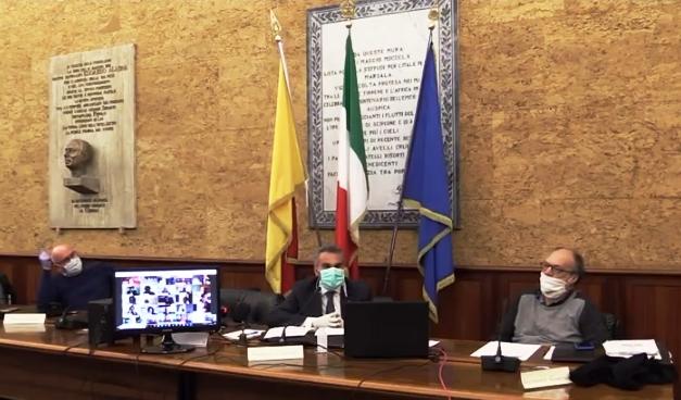 Consiglio comunale, botta e risposta tra sindaco e consiglieri. Porto di Marsala, l'aula replica alla Myr