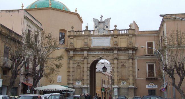 ZTL in Piazza Mameli revocata, area chiusa il week end e via dei Mille torna a senso unico