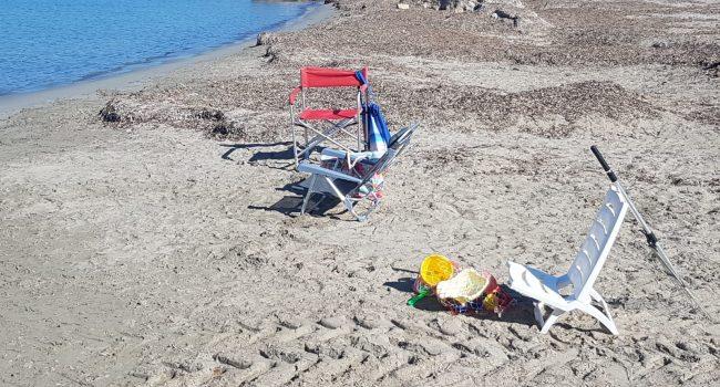 "Spiaggia libera Pakeka, i residenti puliscono ""in assenza di interventi istituzionali"""
