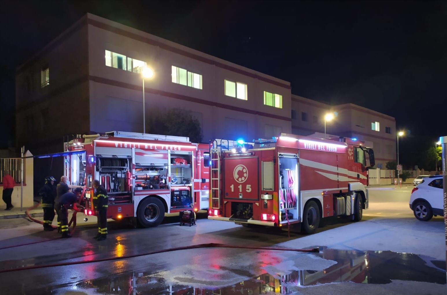 """Incendio alla Scuola """"Mazzini"""": cortocircuito in un archivio"""