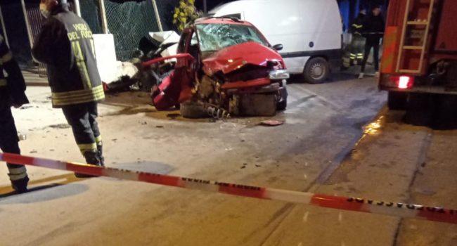 Grave incidente a Marsala: trasferito a Palermo il giovane conducente dell'auto