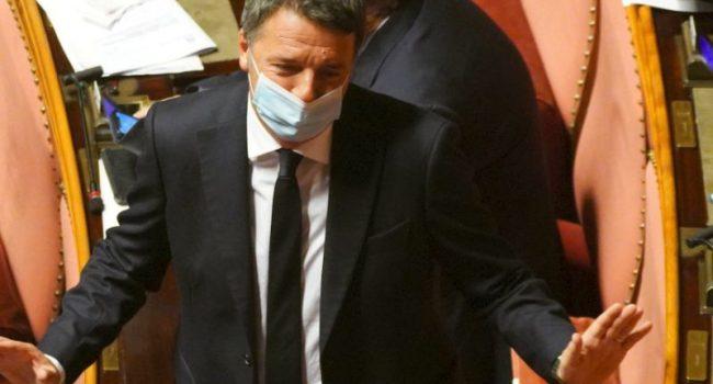 """Renzi """"Se il Pd si allea con i grillini non ci saremo"""""""